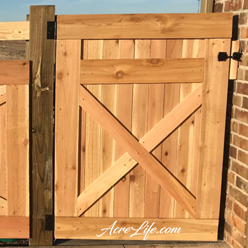How to build a cedar gate